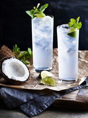 uống dừa có tác dụng gì, Uống Dừa Có Tác Dụng Gì? 15 Lợi Ích Tuyệt Vời Của Nước Dừa